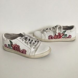 Kenneth Cole Reaction flower sneakers